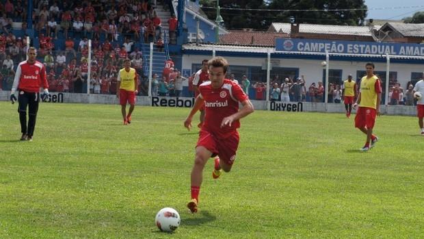 Dagoberto durante treino na pré-temporada do Inter em Gramado, RS (Foto: Diego Guichard)