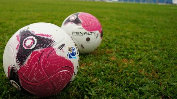 Bola que será utilizada na disputa do Campeonato Gaúcho (Foto: Diego Guichard)