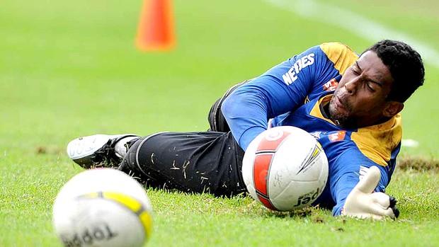Aranha no treino do Santos (Foto: Ricardo Saibun / Site Oficial do Santos)