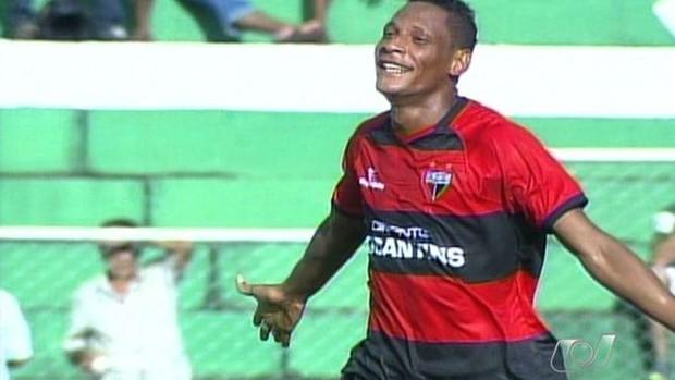 Marcão, autor de dois gols contra o Rio Verde (Foto: Reprodução/TV Anhanguera)