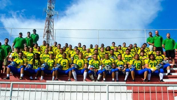 Seleção brasileira de futebol americano que enfrentou o Chile em 21 de janeiro de 2012 (Foto: Reprodução/Facebook)