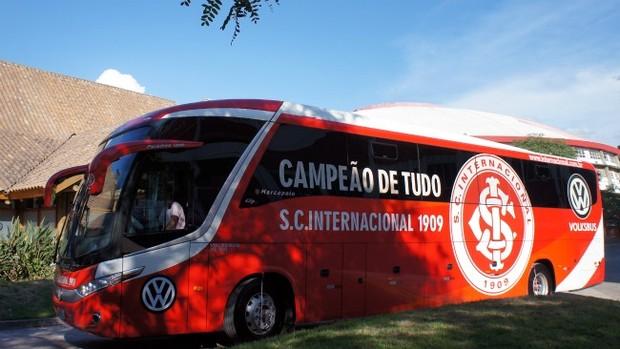inter novo ônibus  (Foto: Diego Guichard / GLOBOESPORTE.COM)