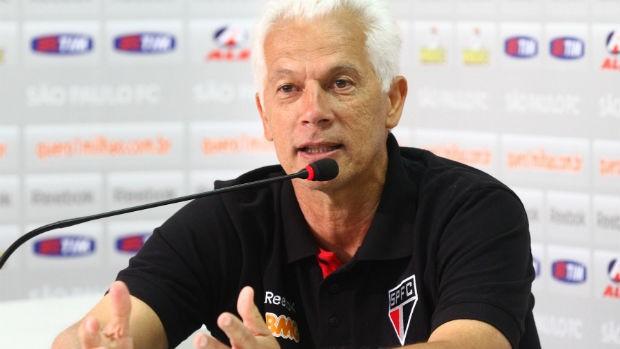 Emerson Leão, técnico do São Paulo, em entrevista coletiva (Foto: Luiz Pires/VIPCOMM)