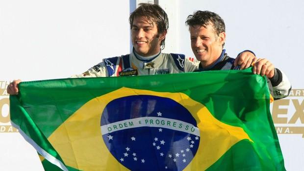Felipe Nasr e Oswaldo Negri no pódio das 24 Horas de Daytona (Foto: Divulgação)