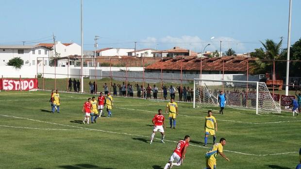 Partida entre Socorrense e Sergipe no 'Lelezão' (Foto: Felipe Martins/GLOBOESPORTE.COM)