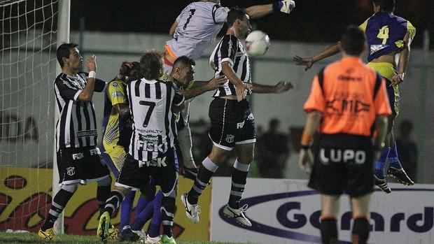 Horizonte x Ceará pelo campeonato cearense (Foto: Kiko Silva/ Agência Diário)