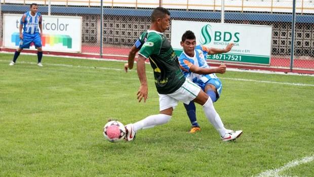 Vitória do São Raimundo por 1 a 0 sobre o Iranduba, no Sesi (Foto: Anderson Silva/GLOBOESPORTE.COM)