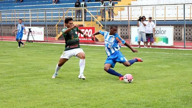 São Raimundo venceu o Iranduba por 1 a 0, no estádio do Sesi (Foto: Anderson Silva/GLOBOESPORTE.COM)