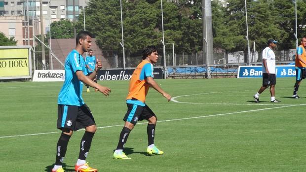 Souza e Misael treinam no Olímpico (Foto: Tomás Hammes/Globoesporte.com)