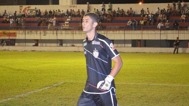 Goleiro Neto assume responsabilidade pelos gols sofridos contra o Socorrense (Foto: Thiago Barbosa/GLOBOESPORTE.COM)