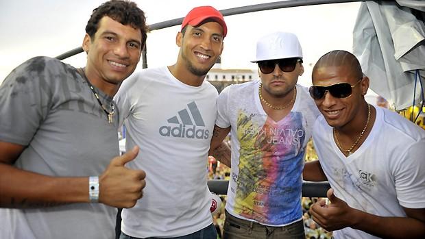 Jogadores do Vitória no trio do Asa de Águia (Foto: Divulgação/EC Vitória)