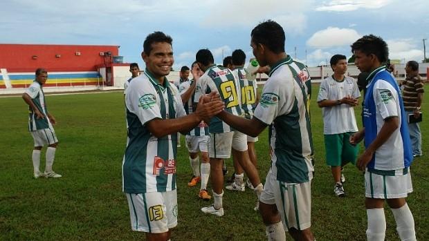 Equipe do Iranduba comemora vitória sobre o Operário (Foto: Divulgação/Francimar Lima)
