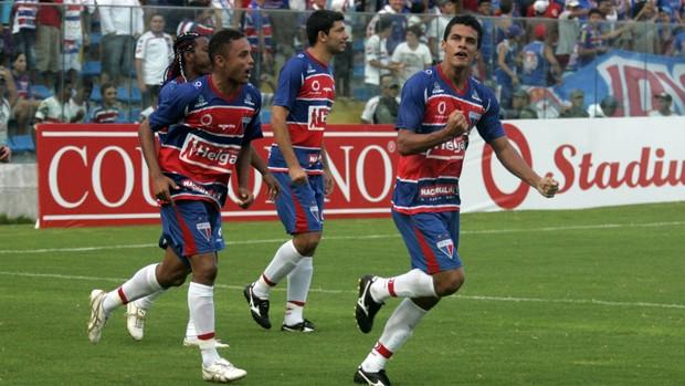 Fortaleza x Ferroviário pela 11ª rodada do Campeonato Cearense de 2012 (Foto: LC Moreira/Agência Estado)