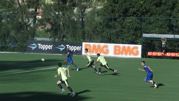 Jogo treino entre Atlético-MG e Tupi (Foto: Fernando Martins / Globoesporte.com)