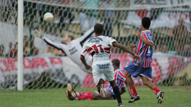 Ferroviário x Bahia pela Série C do Campeonato Brasileiro de 2006 (Foto: Kiko Silva/Agência Diário)