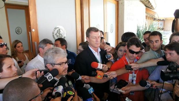 Coletiva de imprensa no Beira-Rio (Foto: Diego Guichard / GLOBOESPORTE.COM)