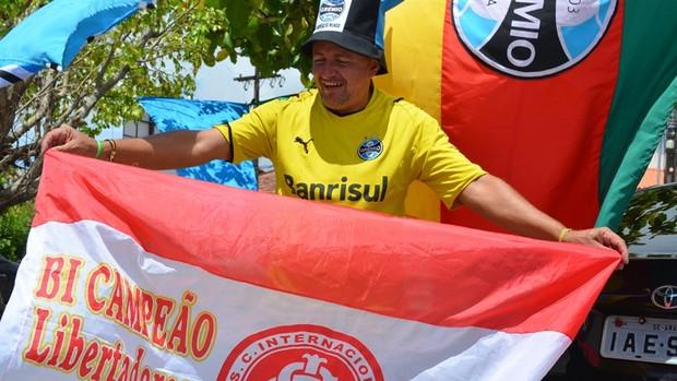 Rivalidade, rivalidade...negócios à parte (Foto: Thiago Barbosa/GLOBOESPORTE.COM)