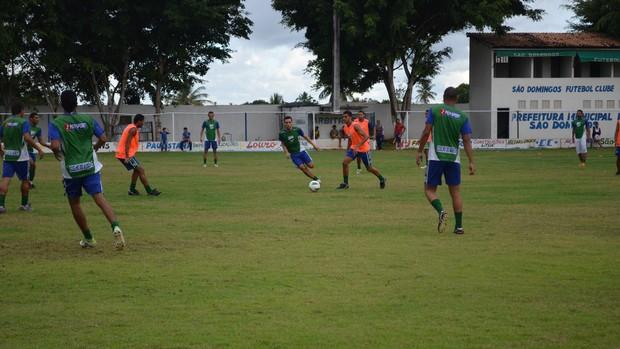 São Domingos fez um treino recreativo nesta quarta-feira (Foto: Felipe Martins/GLOBOESPORTE.COM)