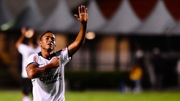 Jorge Henrique gol Corinthians (Foto: Marcos Ribolli / Globoesporte.com)
