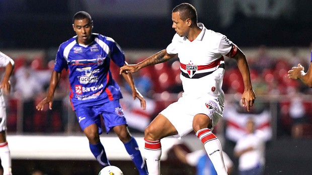 Luis Fabiano no jogo do São Paulo contra o Independente-PA (Foto: Wagner Carmo / Vipcomm)