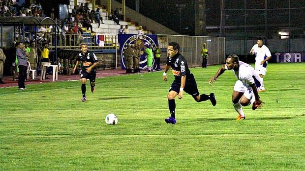Nacional x Coritiba pela Copa do Brasil=14-03-2012 (Foto: Frank Cunha / Globoesporte.com)