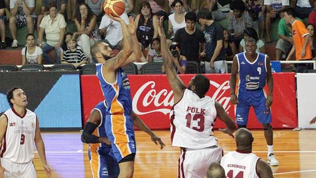Douglas basquete Bauru x Leones de Quilpue (Foto: João Rosan/FIBA Americas)