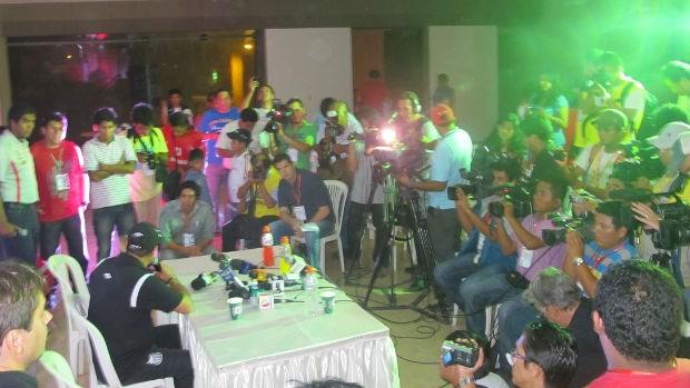 Coletiva de Muricy Ramalho após jogo do Santos no Peru (Foto: Marcelo Hazan / globoesporte.com)