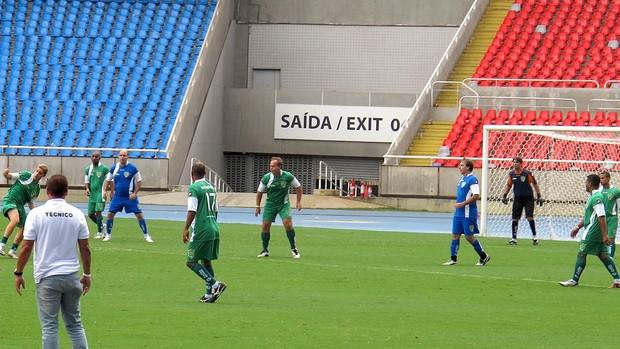 pelada amistosa no estádio do Engenhão (Foto: André Casado / Globoesporte.com)