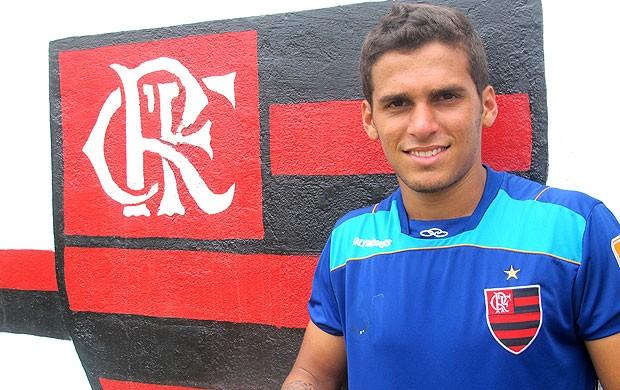 Pedrinho promessa do Flamengo (Foto: Janir Junior / GLOBOESPORTE.COM)