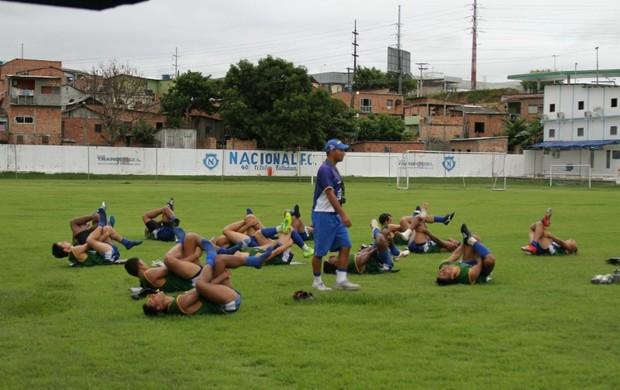 Selcimar Maciel trabalha em dois períodos com os jogadores (Foto: Frank Cunha)