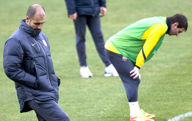 Pep Guardiola no treino do Barcelona (Foto: EFE)