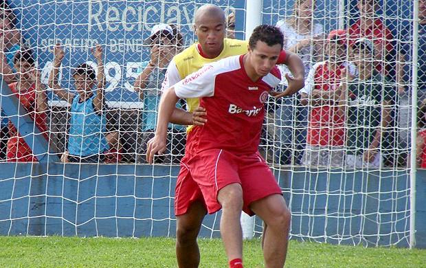 Leandro Damião treino Internacional (Foto: Diego Guichard / Globoesporte.com)