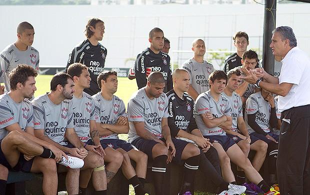 Tite treino Corinthians (Foto: Daniel Augusto Jr. / Ag. Estado)
