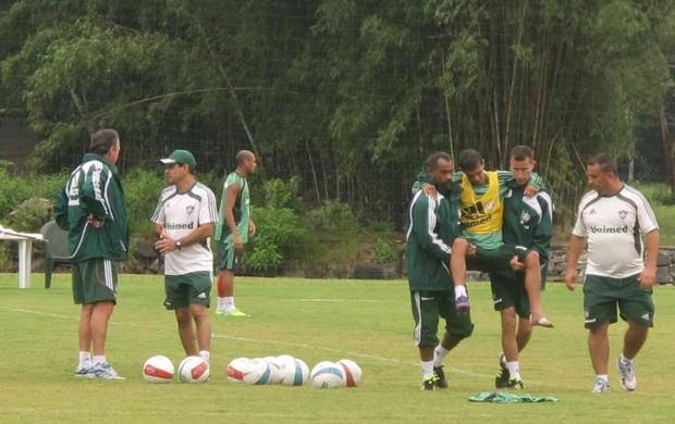 lanzini fluminense lesão (Foto: Edgard Maciel de Sá/Globoesporte.com)