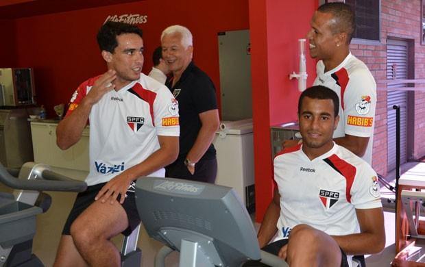 Jadson, Luis Fabiano e Lucas no treino do São Paulo (Foto: Marcelo Prado/Globoesporte.com)