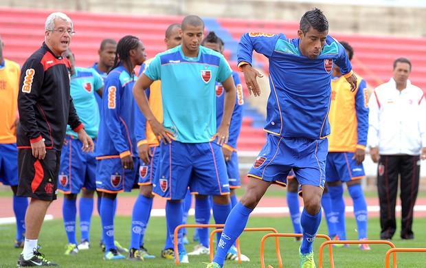 Léo Moura no treino físico do Flamengo (Foto: Alexandre Vidal / Fla Imagem)