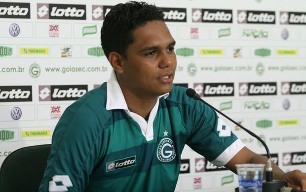 Thiago Humberto, meia do Goiás (Foto: Rosiron Rodrigues/Goiás E.C.)