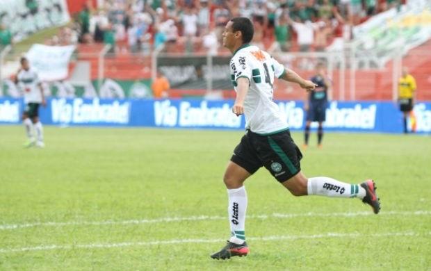 Emerson comemora gol do Coritiba sobre o Toledo (Foto: Divulgação / Coritiba)