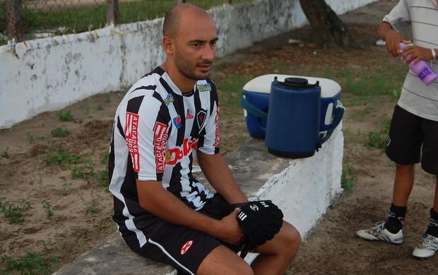Fernando Passamani, lateral do Botafogo-PB (Foto: João Neto)