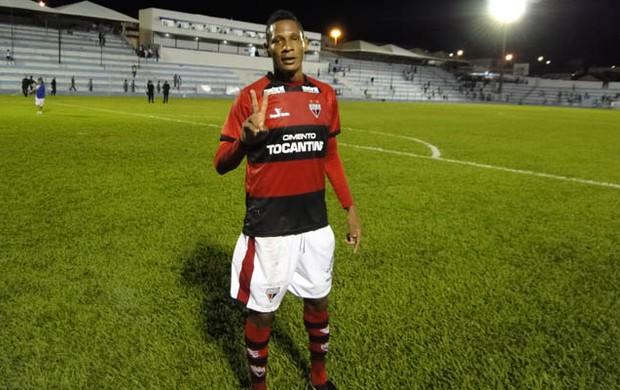 Marcão, atacante do Atlético-GO (Foto: Felipe Furtado/Atlético-GO)