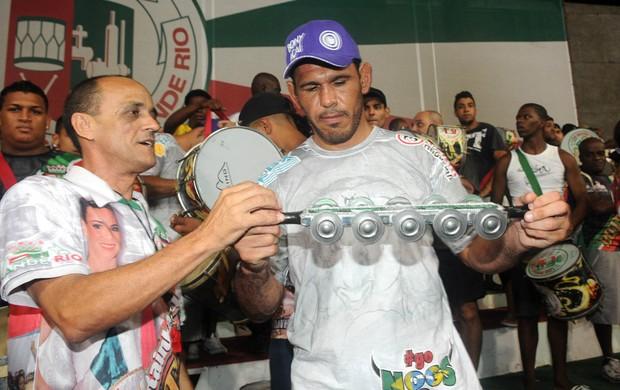 Minotouro Minotauro Irmãos Nogueira bateria Grande Rio (Foto: André Durão / Globoesporte.com)