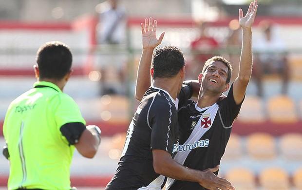 Thiago Feltri comemora gol do VAsco sobre o Bangu (Foto: Marcelo Sadio/Vasco.com.br)
