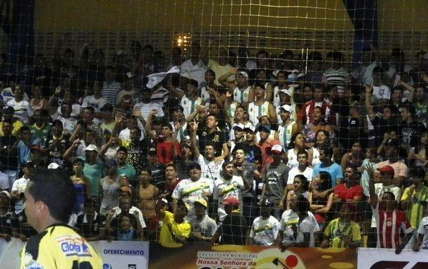 Torcida lota ginásio de Glória (Foto: Vieira Neto/Blog Vieira Neto)