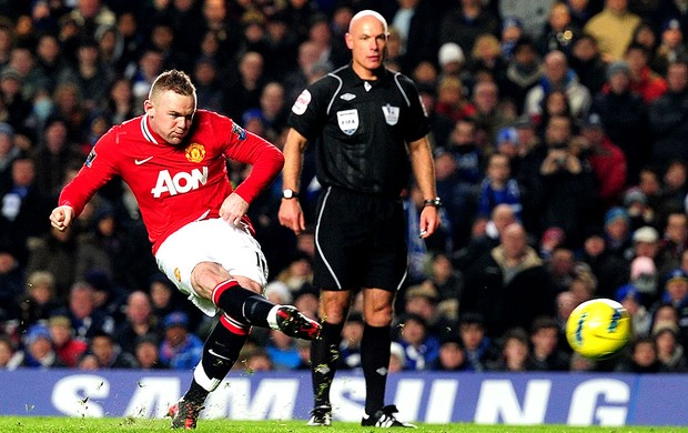 Rooney marca gol do Manchester United contra o Chelsea (Foto: Getty Images)