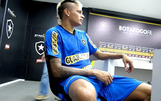 Fabio Ferreira na entrevista do Botafogo (Foto: André Casado / Globoesporte.com)