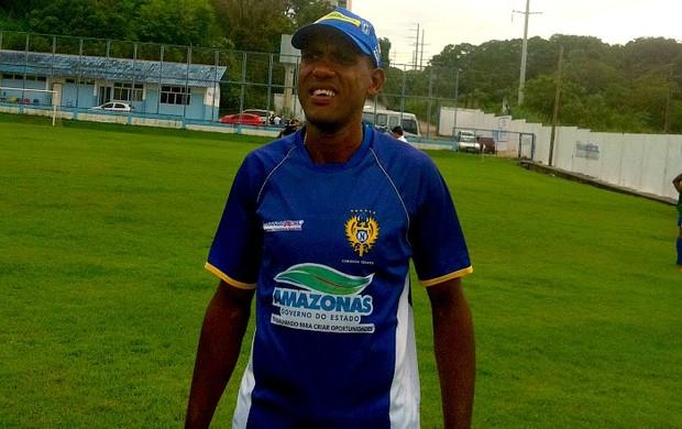Paulão técnico interino do Naça (Foto: Paulo Rogério/Globoesporte.com)