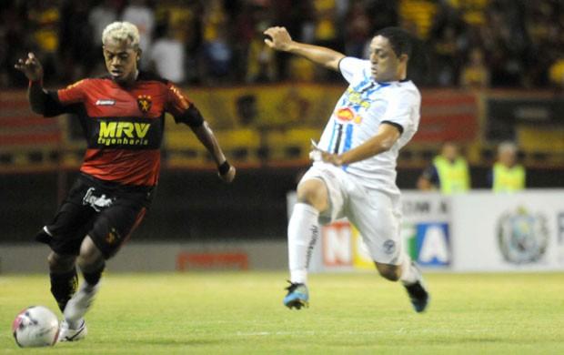 Sport x Porto - Marcelinho Paraíba (Foto: Aldo Carneiro)