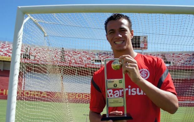 Leandro Damião recebe o Prêmio Friedenreich (Foto: Diego Guichard/Globoesporte.com)