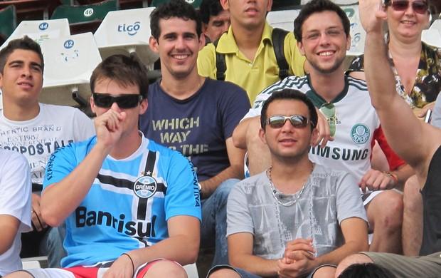 treino santos torcedores de outros times (Foto: Marcelo Hazan  / GloboEsporte.com)