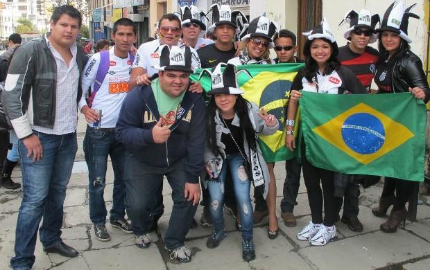 Torcedores do Santos em La Paz (Foto: Marcelo Hazan / globoesporte.com)
